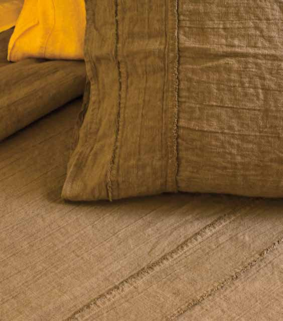 uni bettw sche set aus leinen sfrangiato kollektion basic by la fabbrica del lino by bergianti. Black Bedroom Furniture Sets. Home Design Ideas