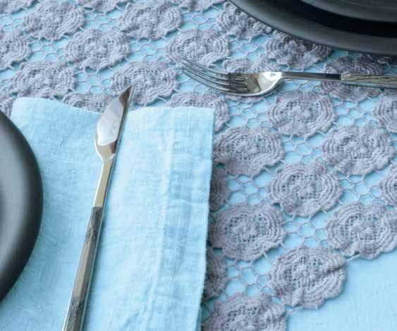 Tovaglia in lino margherite collezione decor by la - La fabbrica del lino letto ...