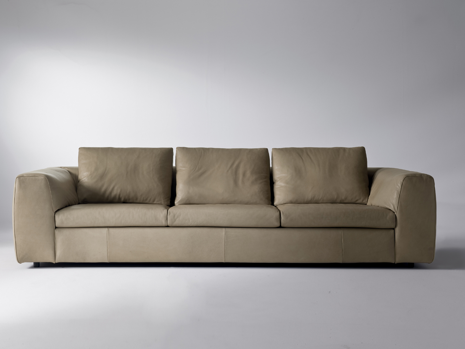 Glac 3 seater sofa by i 4 mariani design mauro lipparini for 9 seater sofa set designs