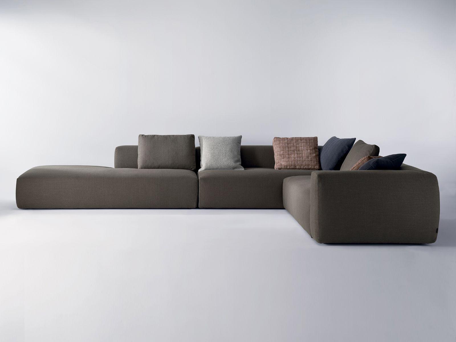 KLUB Divano angolare by i 4 Mariani design Mauro Lipparini