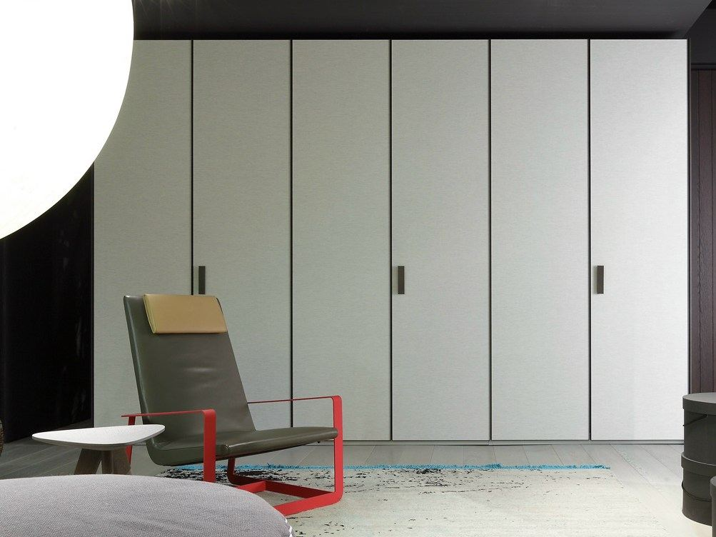 einbau kleiderschrank tess by poliform. Black Bedroom Furniture Sets. Home Design Ideas