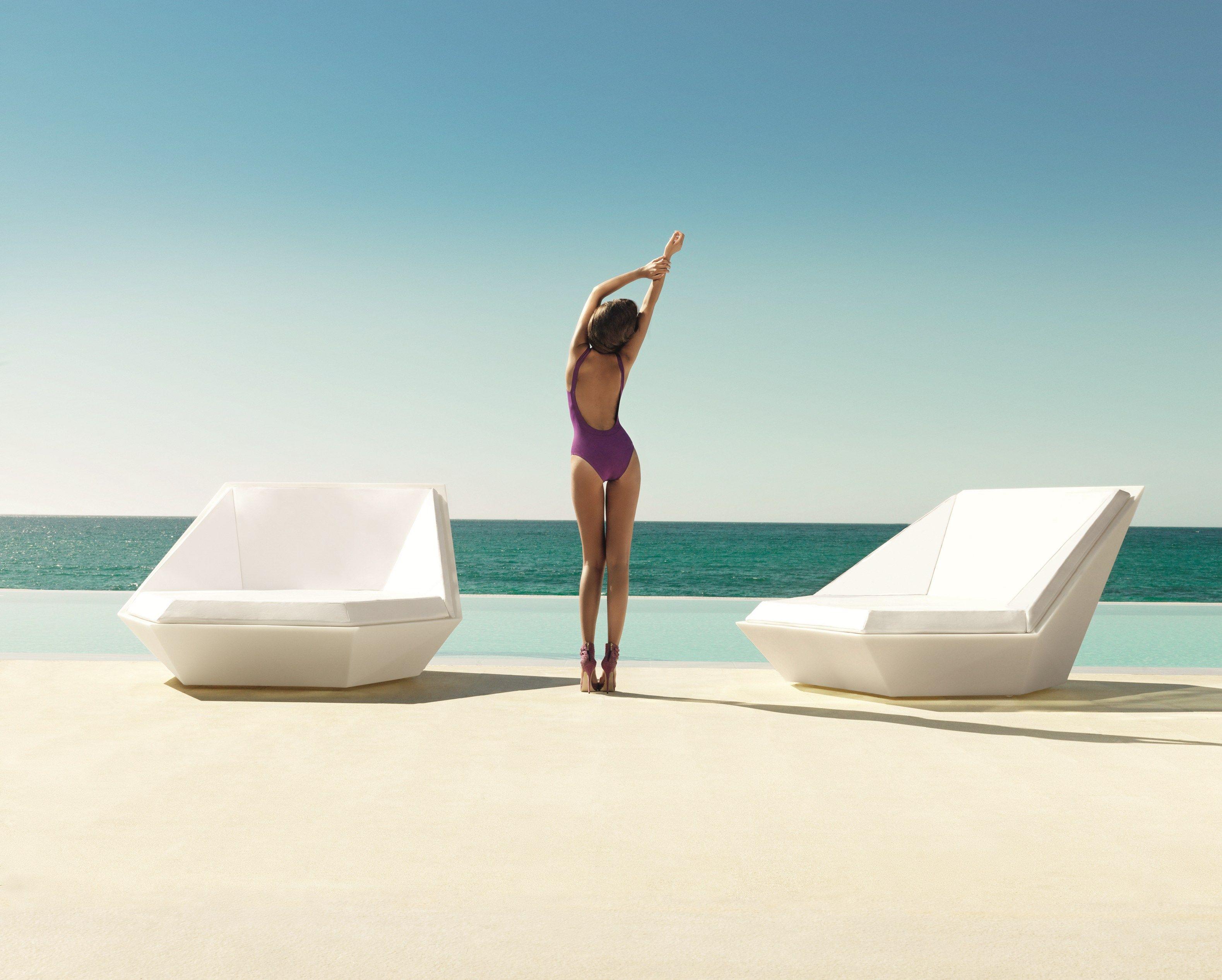 garden bed daybed by vondom design ram n esteve. Black Bedroom Furniture Sets. Home Design Ideas