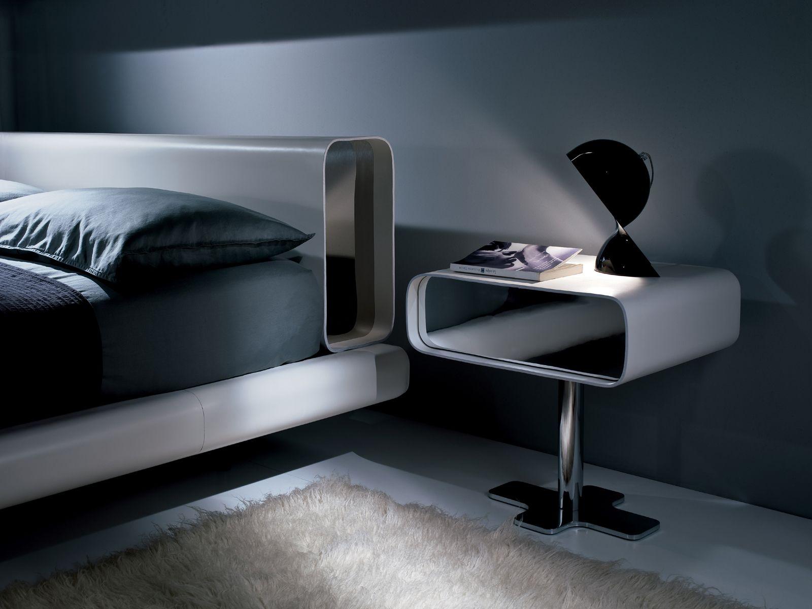 table de nuit en bois massif avec tiroirs collection tube by i 4 mariani design mauro lipparini. Black Bedroom Furniture Sets. Home Design Ideas