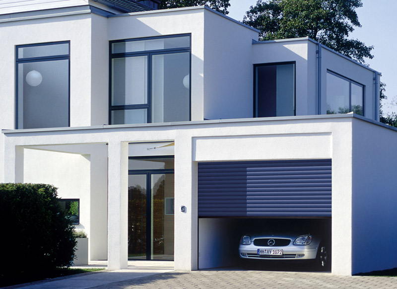Saracinesca per garage rollmatic by h rmann italia for Saracinesche per garage