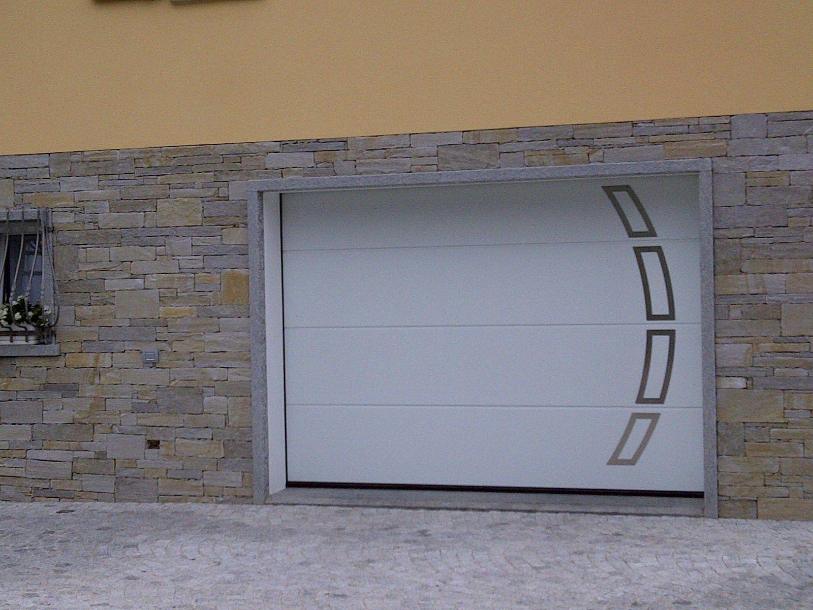 Porte de garage sectionnelle en acier lpu 40 by h rmann italia for Porte hormann