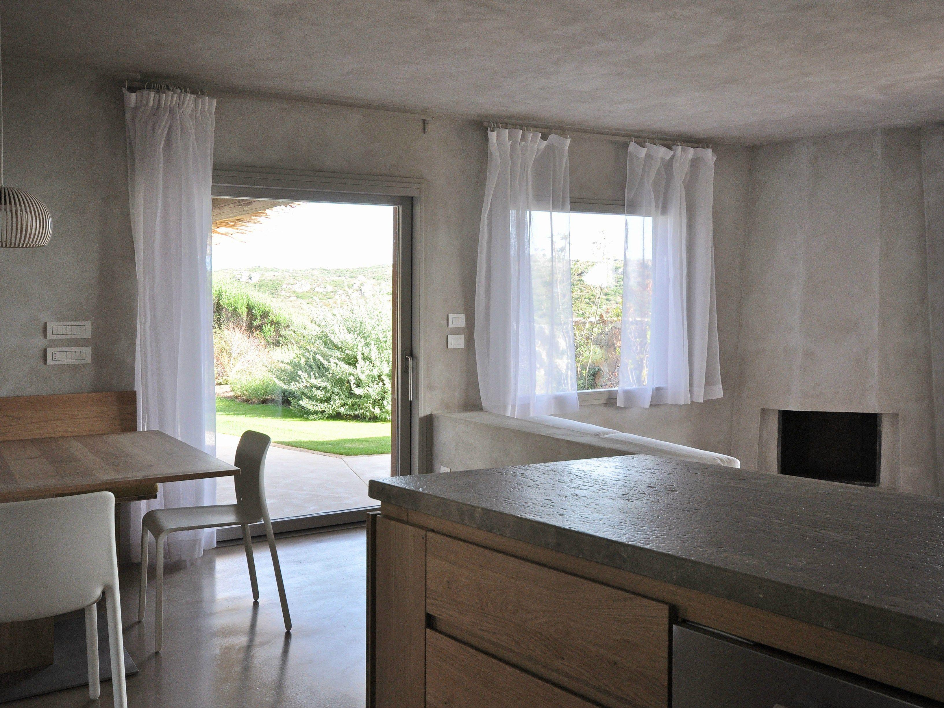 Mensola appesa orizzontale in legno gli tv - Tende finestra cucina ...