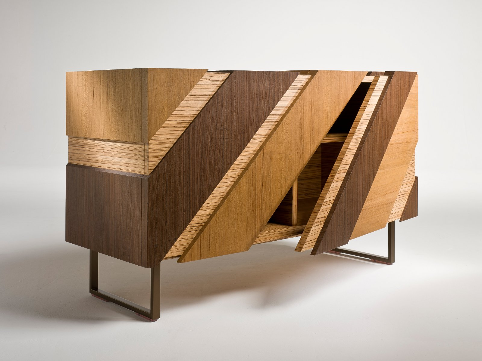 buffet en bois avec portes slide by i 4 mariani design alessandro dubini. Black Bedroom Furniture Sets. Home Design Ideas