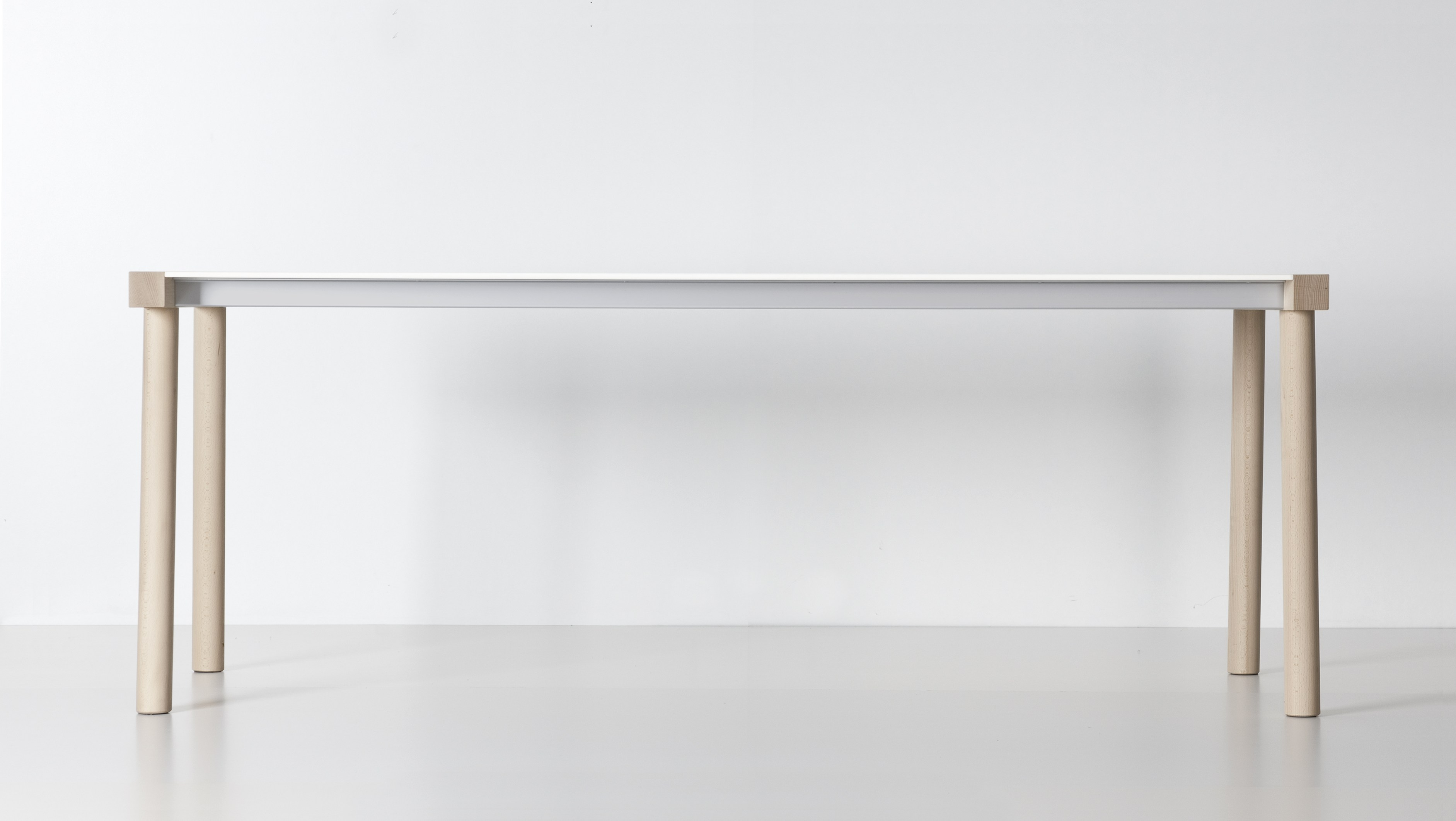 Rectangular table torii by kristalia design bartoli design for Table kristalia