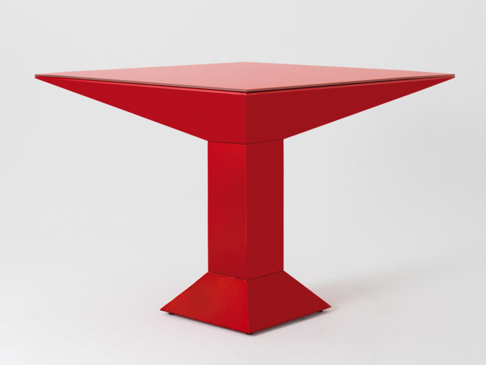 Table carr e design mettsass by bd barcelona design - Table carree design ...