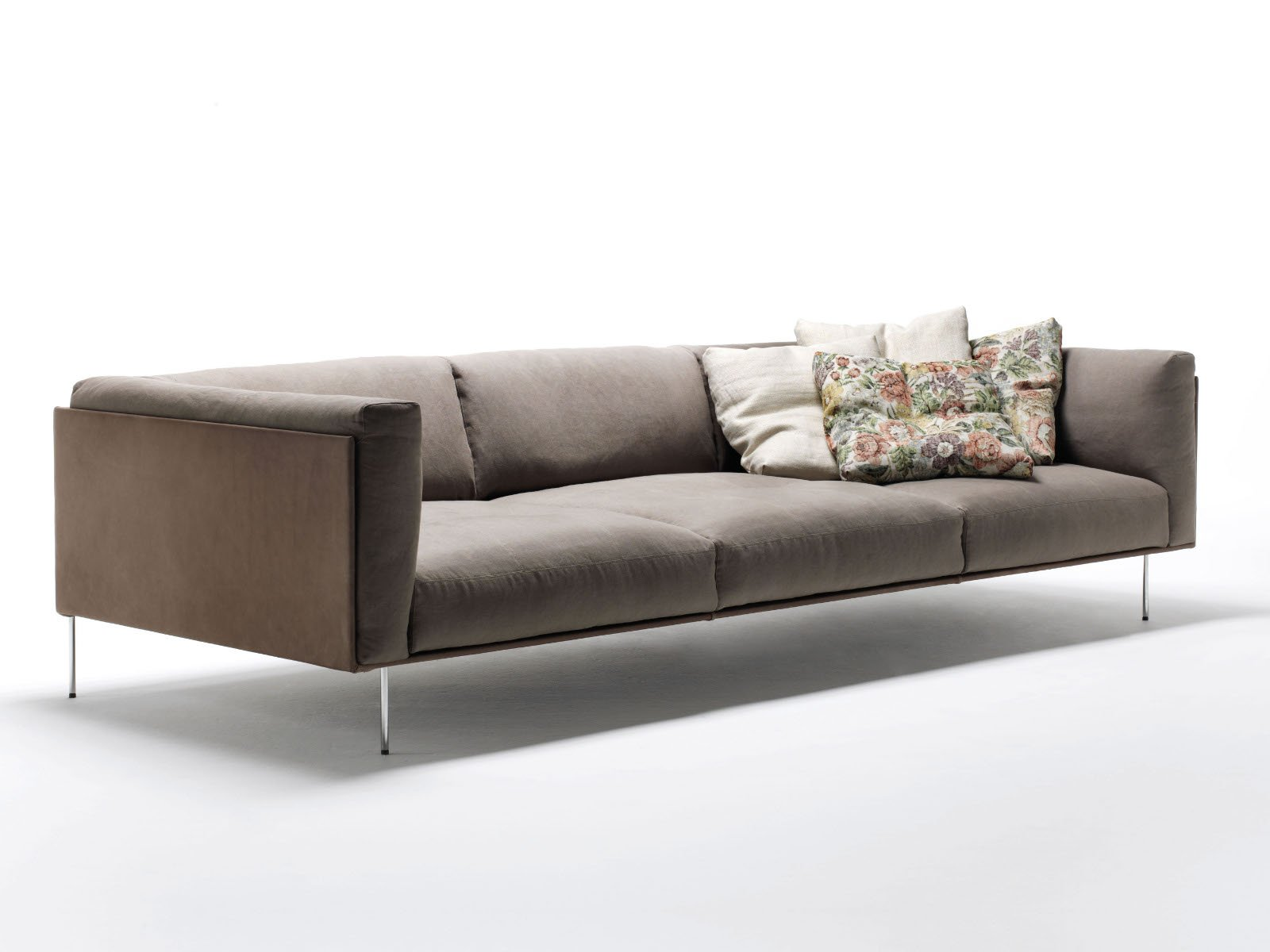 Rod divano by living divani design piero lissoni for Sofa divano