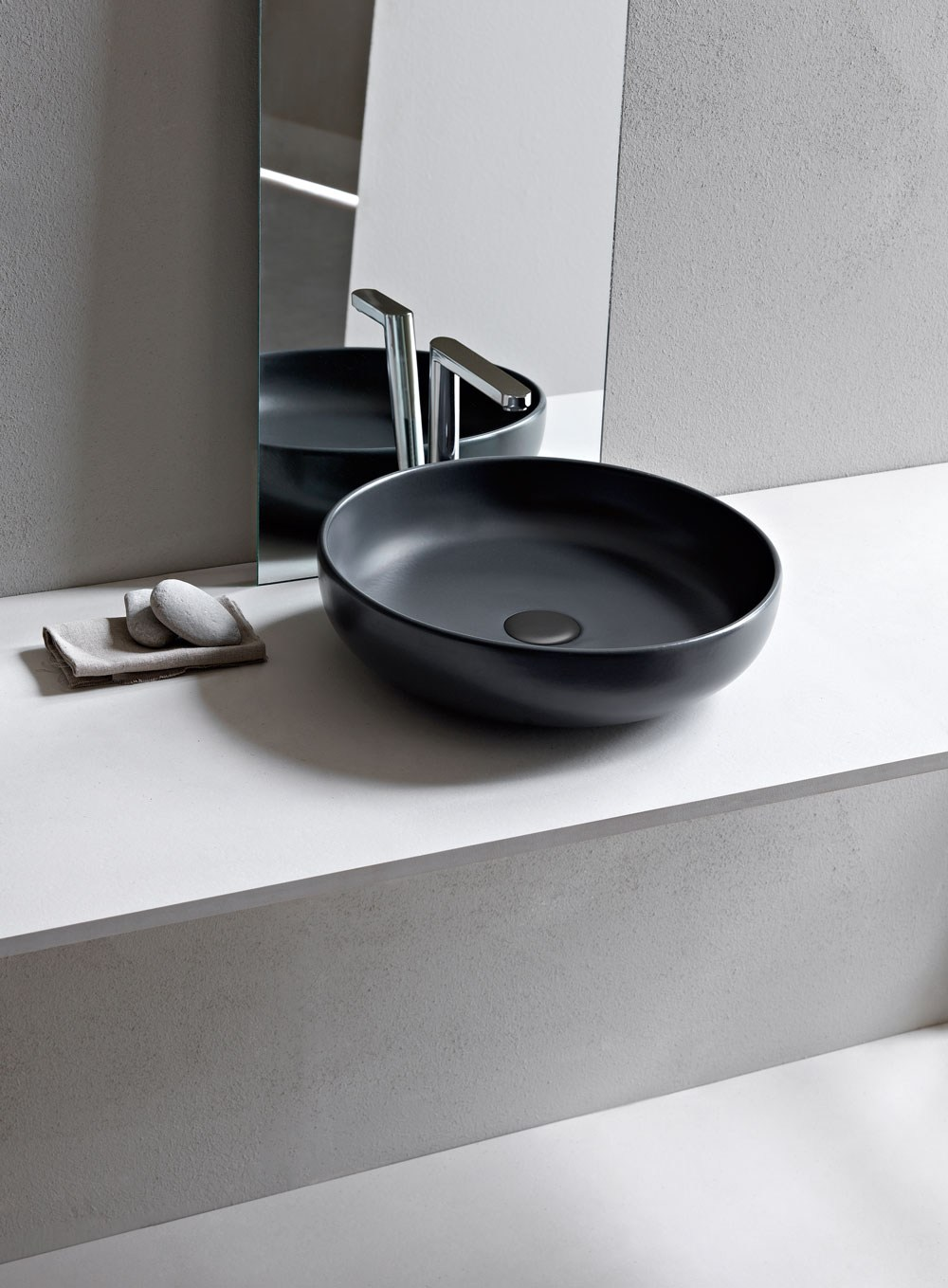 Shui lavabo redondo by ceramica cielo dise o paolo d - Lavabos redondos sobre encimera ...