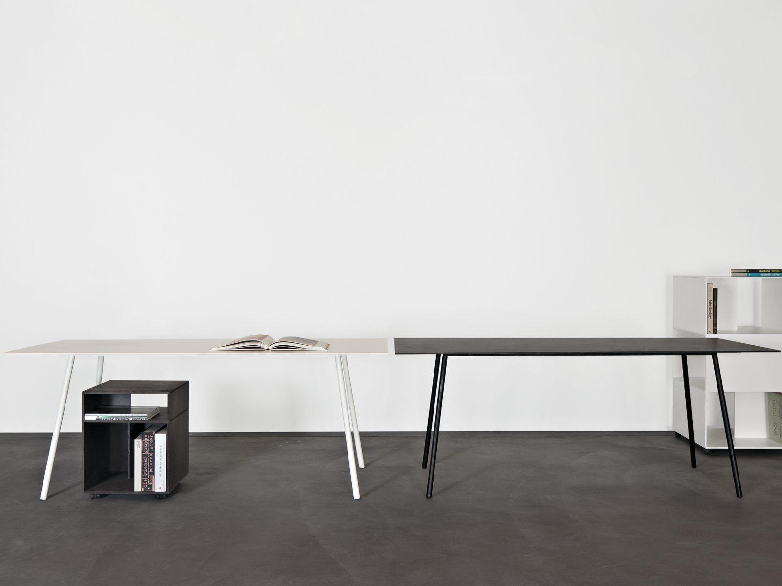 Mesa escritorio en acero kontext by sanktjohanser for Mesas escritorio diseno