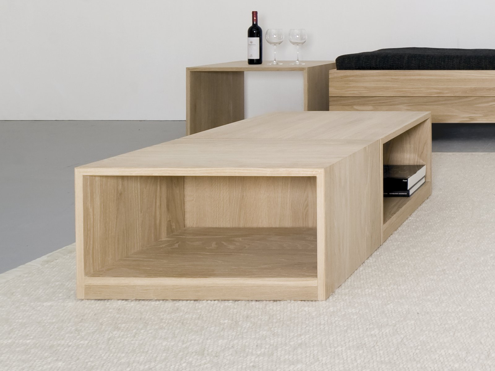 hocker couchtisch aus massivem holz relikt by. Black Bedroom Furniture Sets. Home Design Ideas