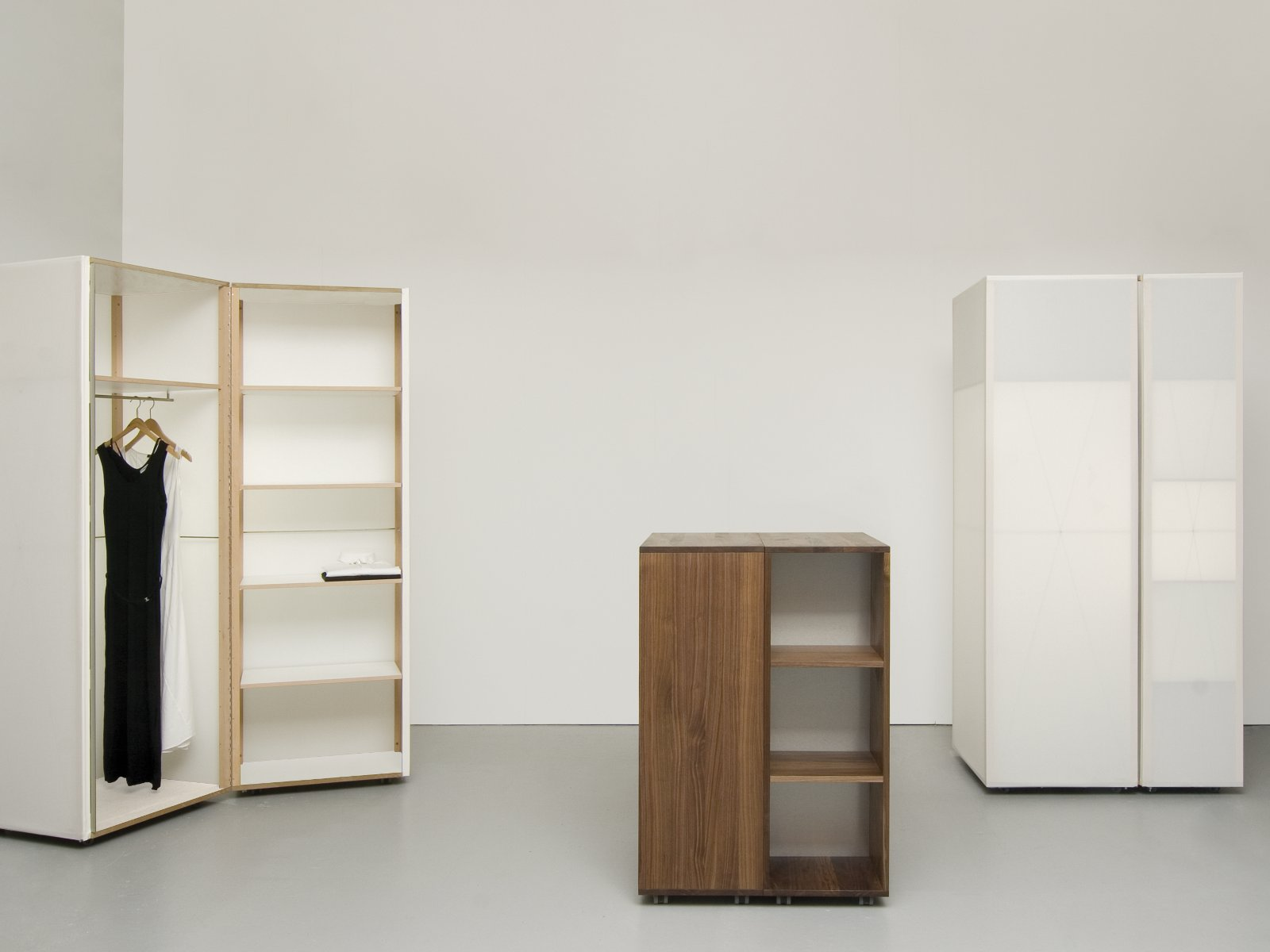 quartier kleiderschrank by sanktjohanser design matthias hubert sanktjohanser. Black Bedroom Furniture Sets. Home Design Ideas