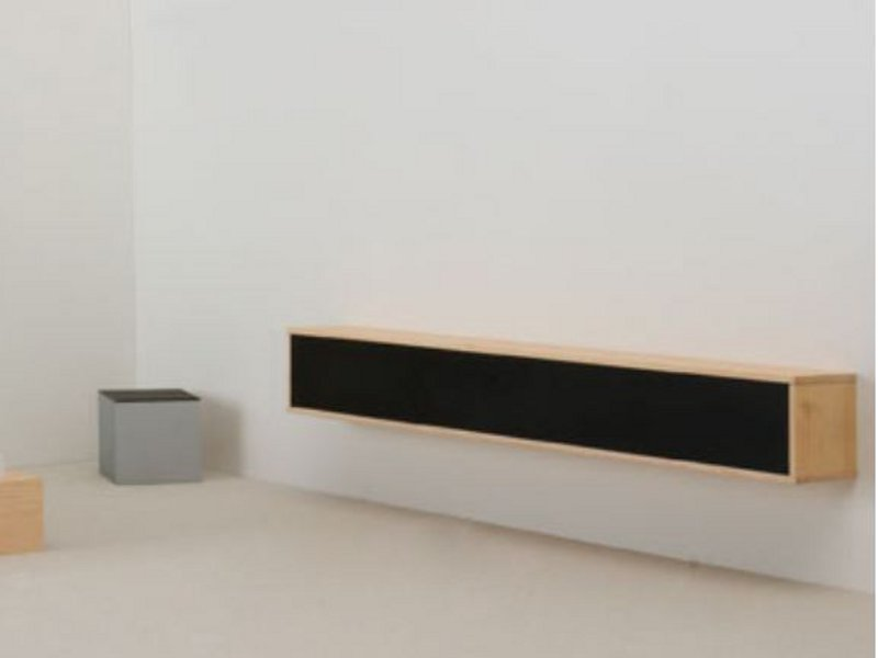 horizontaler h ngeschrank mit schiebet ren wandregal by. Black Bedroom Furniture Sets. Home Design Ideas