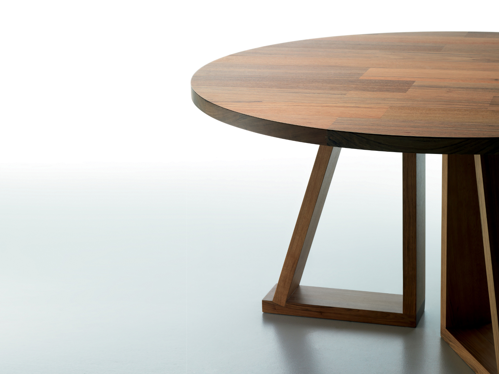 ROUND SOLID WOOD COFFEE TABLE SOLID BY MINIFORMS
