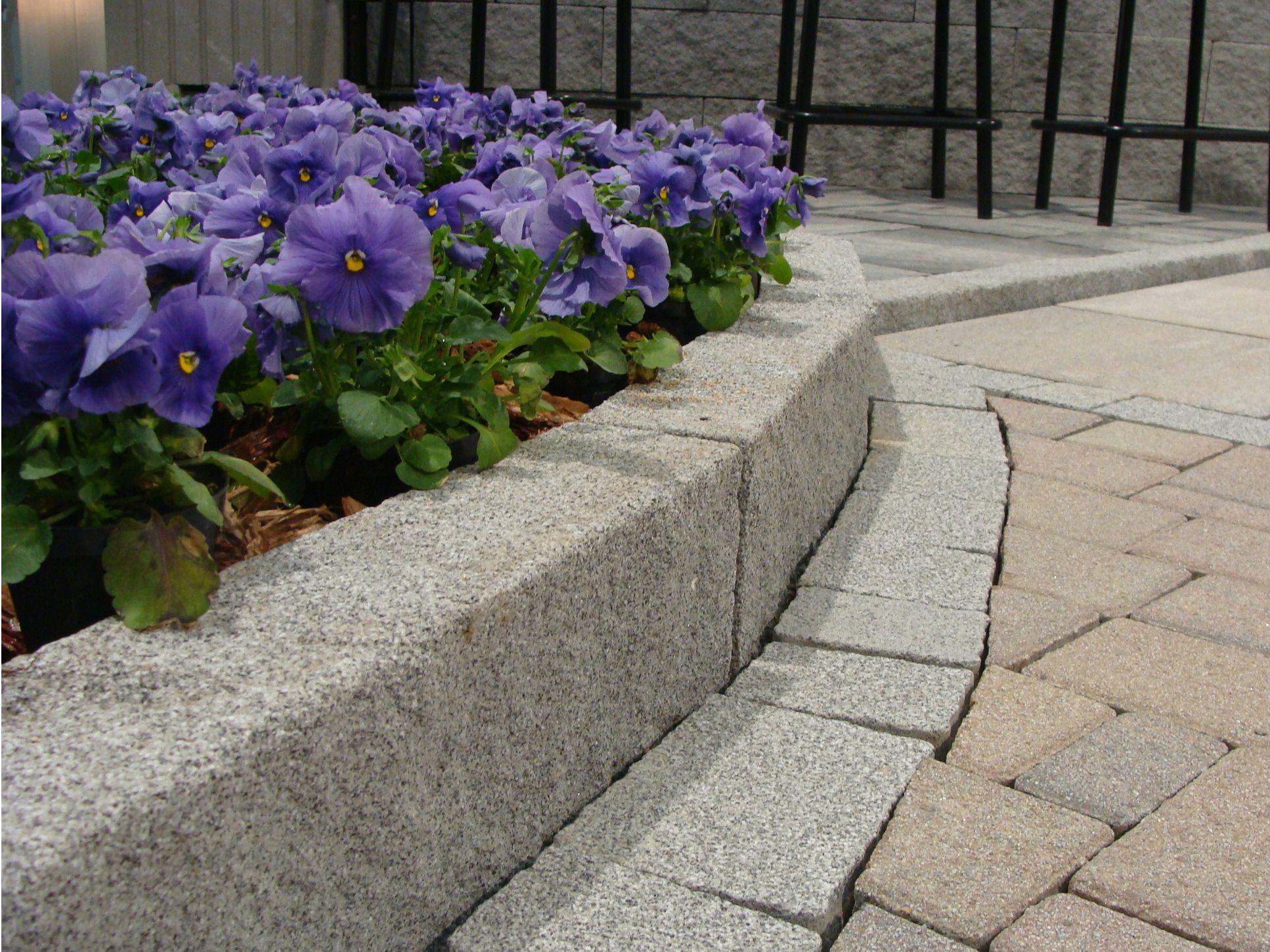 Bordura per aiuole in calcestruzzo pietra by m v b for Bordure aiuole offerte