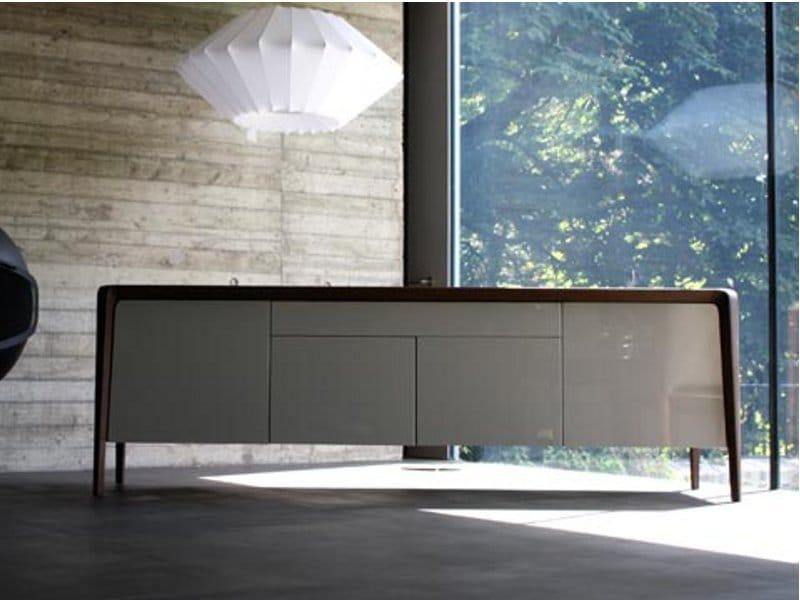 buffet en h tre brio buffet roche bobois. Black Bedroom Furniture Sets. Home Design Ideas