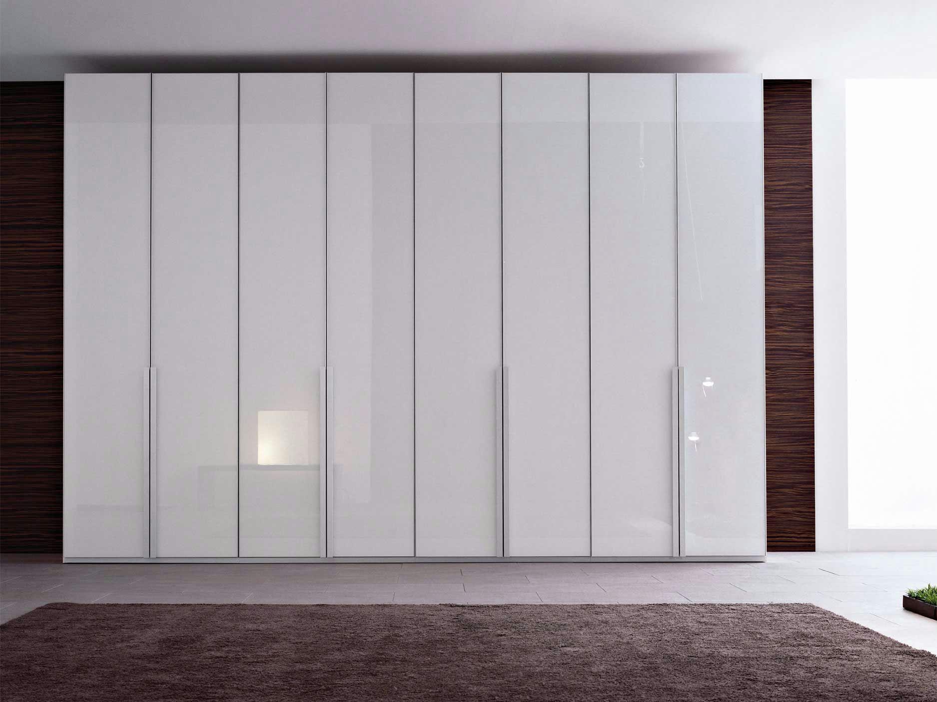 spiegel kleiderschrank mit schiebet ren ecrin total by. Black Bedroom Furniture Sets. Home Design Ideas