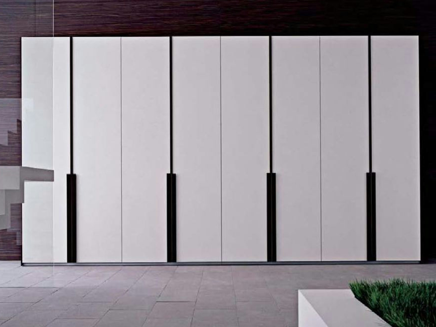 armoire en bois stello collection les contemporains by roche bobois. Black Bedroom Furniture Sets. Home Design Ideas