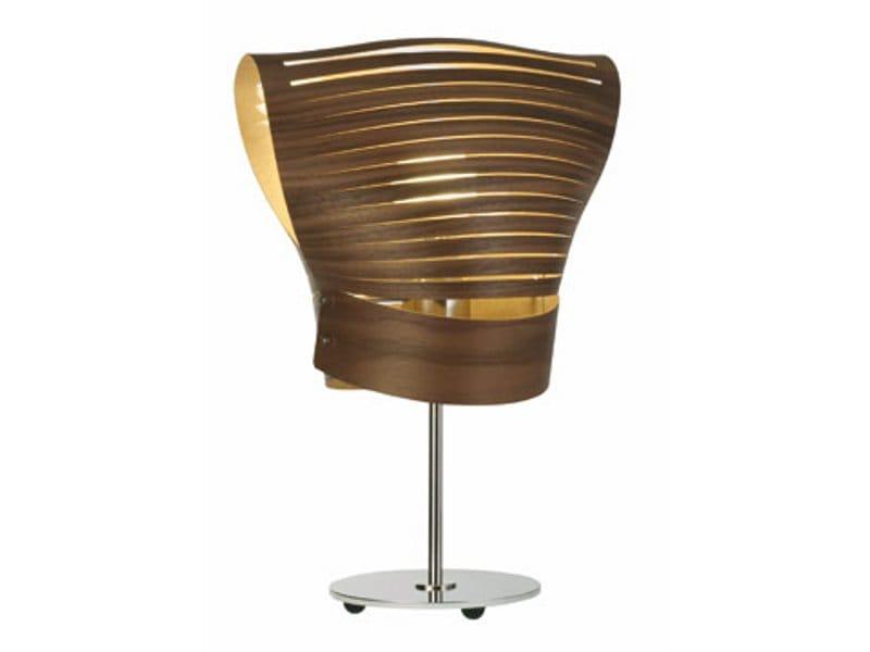 lampe de table en cuir mama collection les contemporains by roche bobois design sophie larger. Black Bedroom Furniture Sets. Home Design Ideas