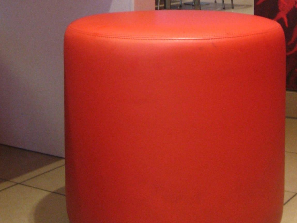 pouf imbottito in tessuto bob collezione b bitz by johanson design design pinc. Black Bedroom Furniture Sets. Home Design Ideas