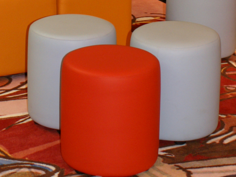 pouf rembourr en tissu bob by johanson design design pinc. Black Bedroom Furniture Sets. Home Design Ideas