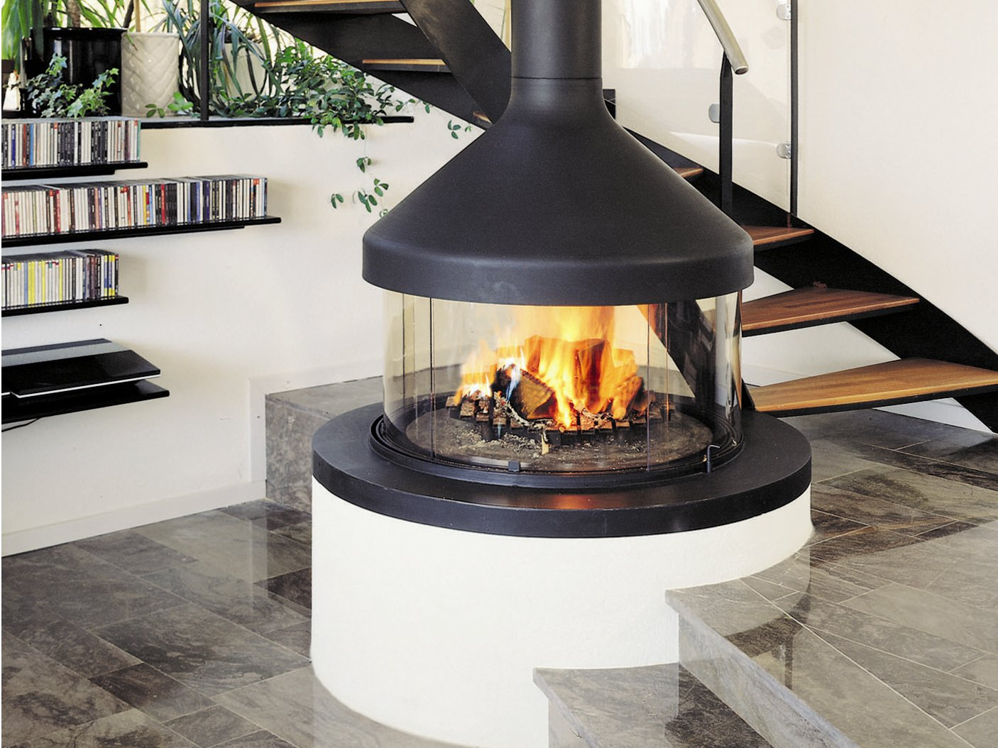 Central Fireplace With Panoramic Glass Meijifocus By Focus