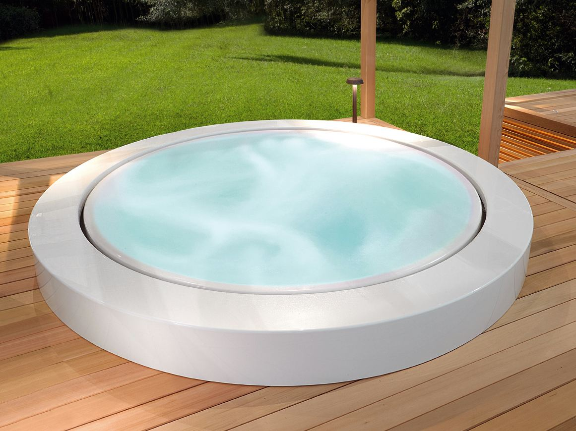 overflow outdoor hot tub minipool built in hot tub by kos by zucchetti design ludovica roberto. Black Bedroom Furniture Sets. Home Design Ideas