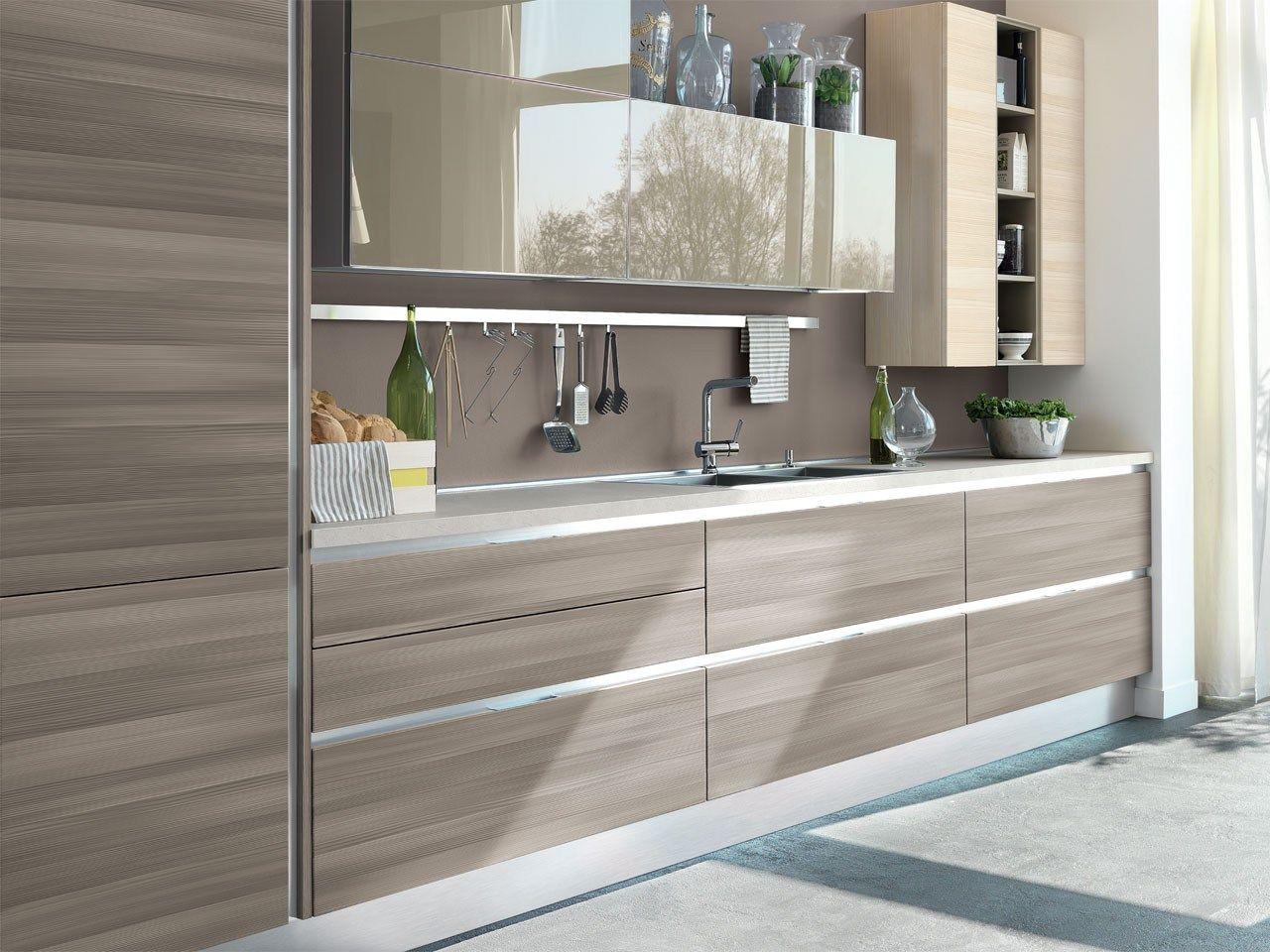 Essenza cucina componibile by cucine lube - Cucina senza maniglie ...