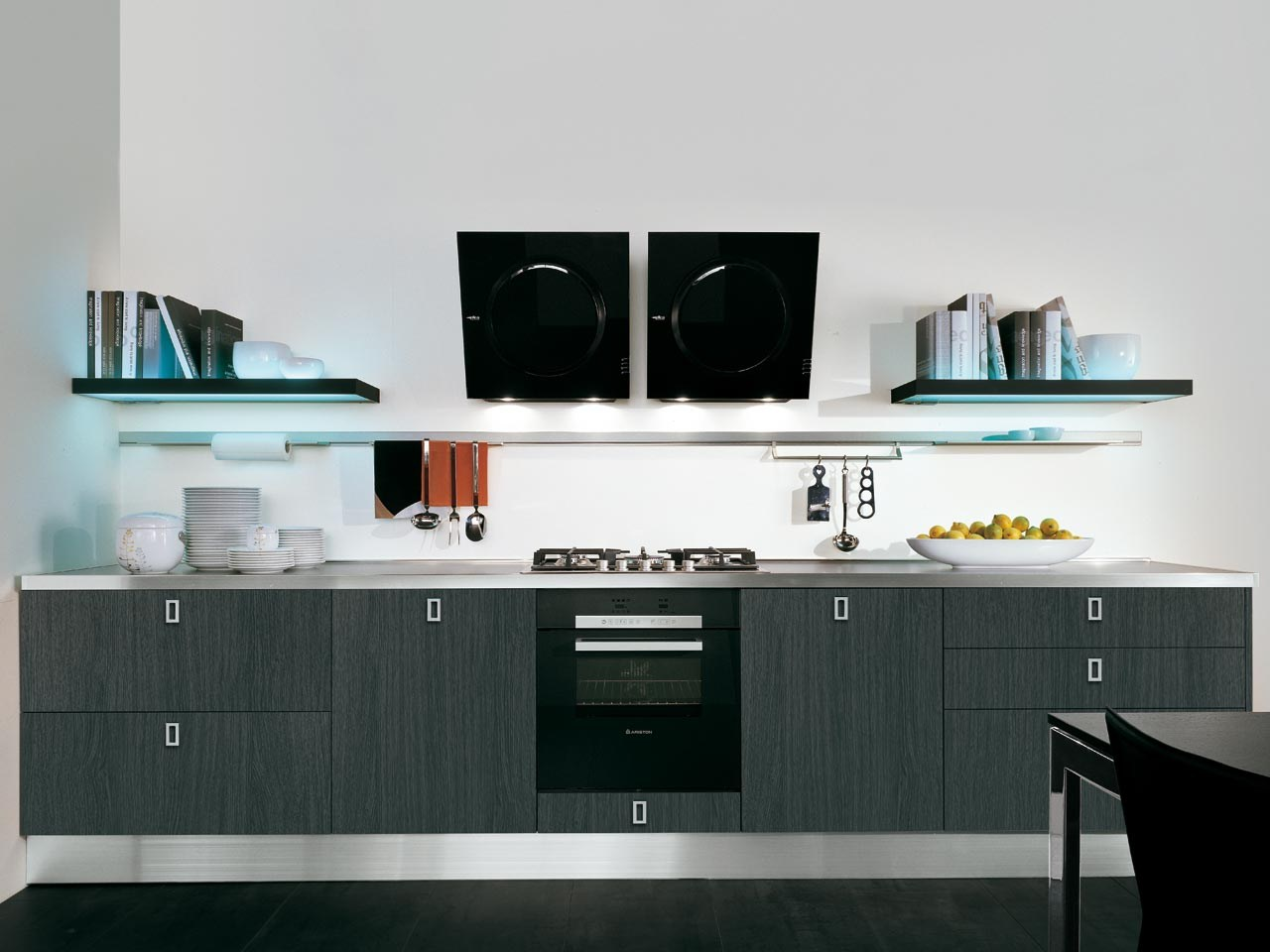 Wooden fitted kitchen with handles martina collection by for Wooden fitted kitchen