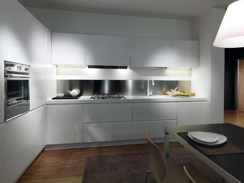 Cucina laccata in corian g180 modena by tm italia cucine - Rivenditori cucine nobilia italia ...