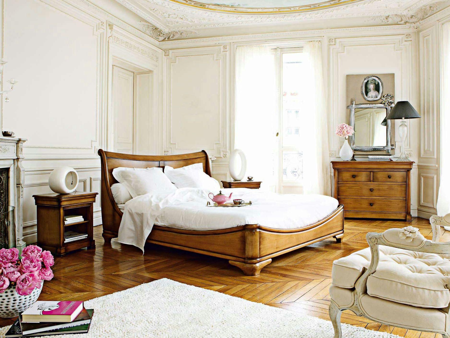 TRIANON Lit by ROCHE BOBOIS design Michel Goineau