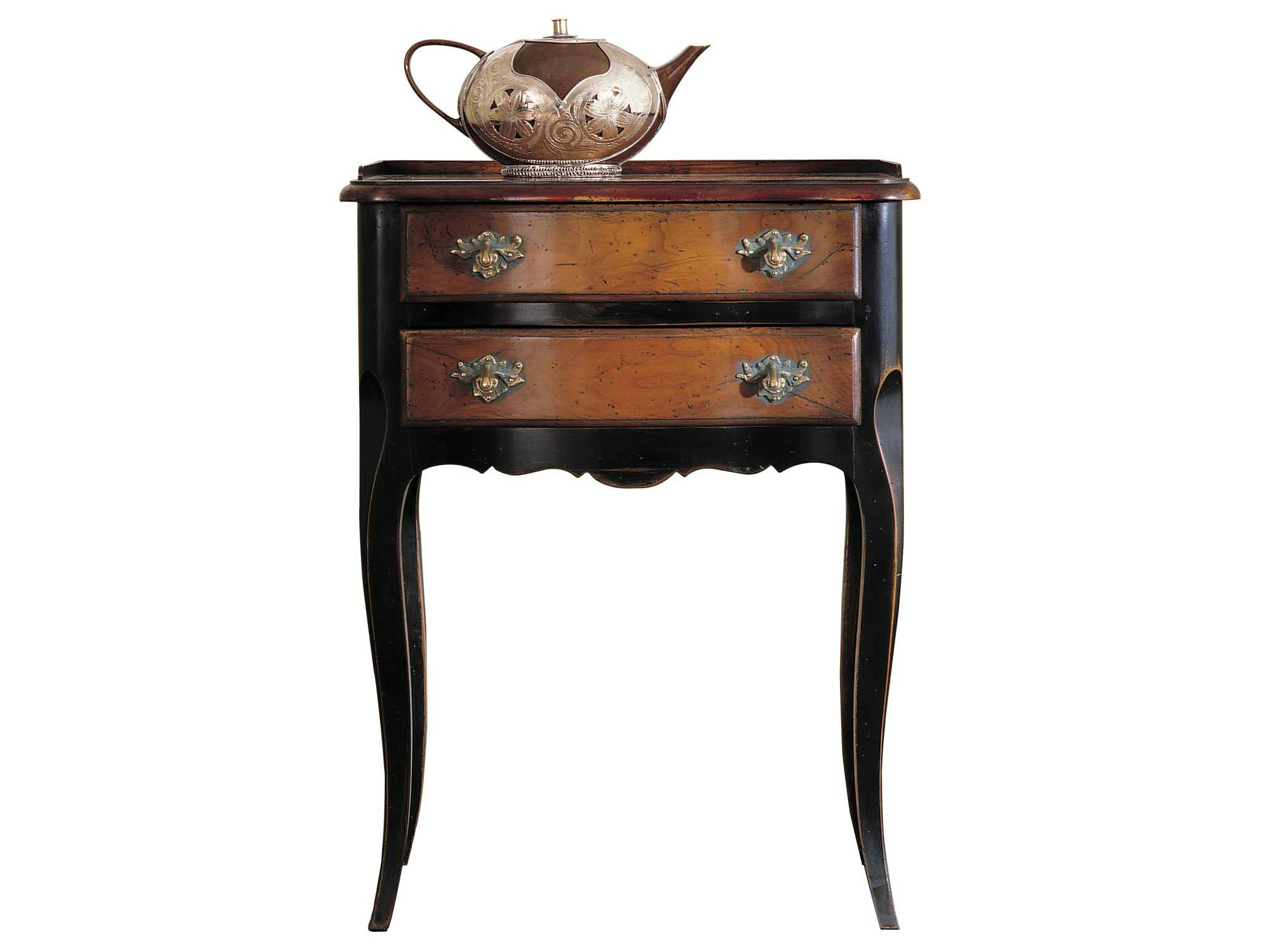 table de nuit en cerisier avec tiroirs nattier collection nouveaux classiques by roche bobois. Black Bedroom Furniture Sets. Home Design Ideas