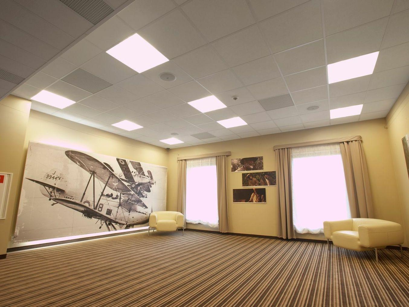 Plaque placo polystyrene plafond valence prix horaire d 39 un artisan electricien soci t voizww - Lambris bois plafond grande largeur ...