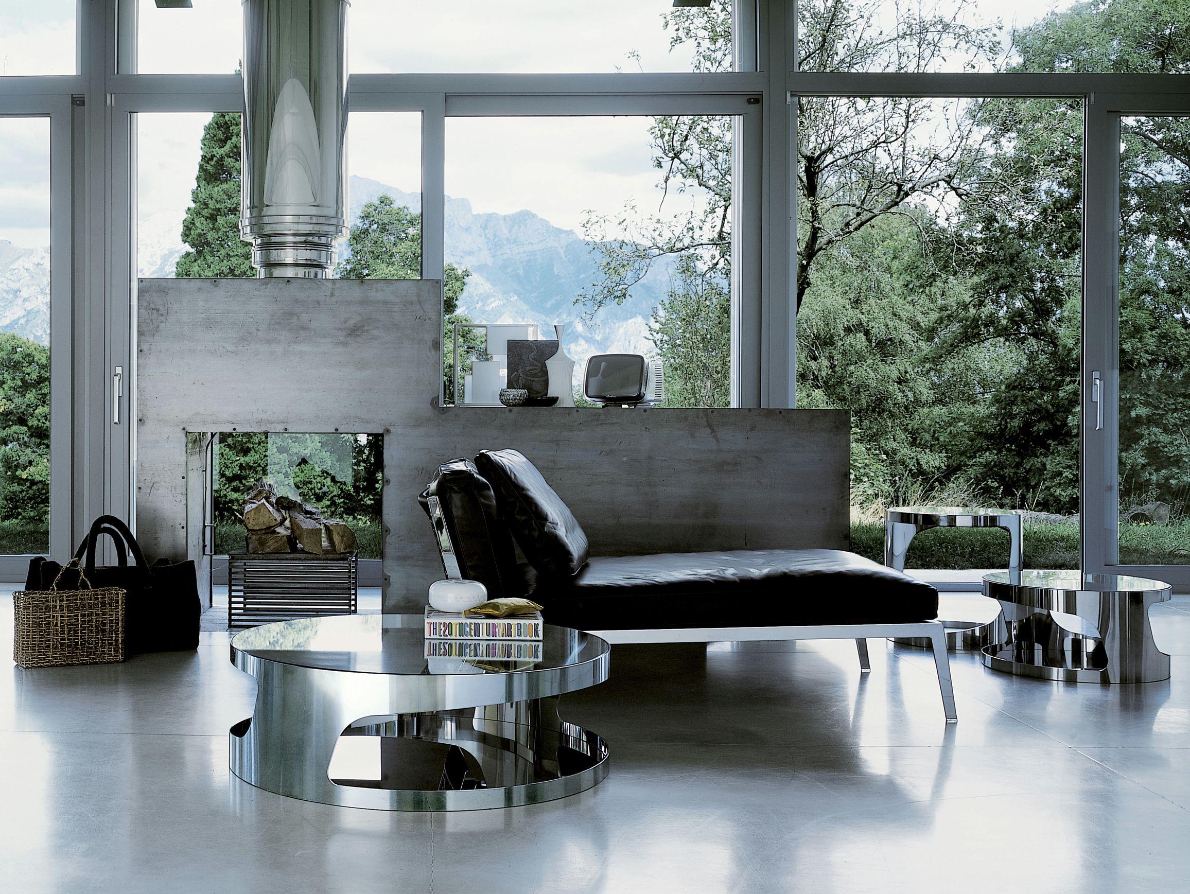round coffee table tab by gallotti radice design a l perini. Black Bedroom Furniture Sets. Home Design Ideas