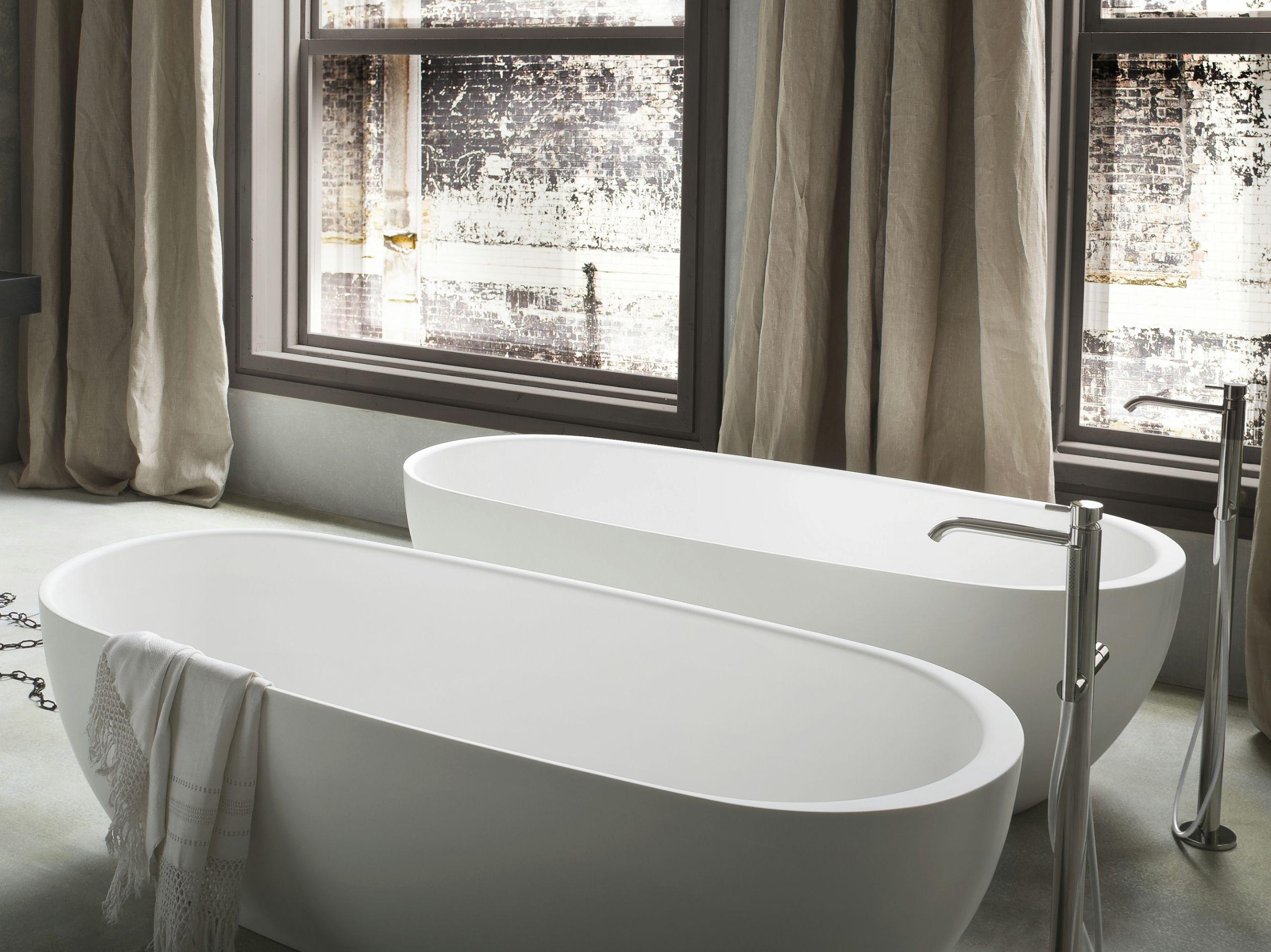 Hole vasca da bagno centro stanza by rexa design design susanna mandelli - Vasca da bagno ovale ...