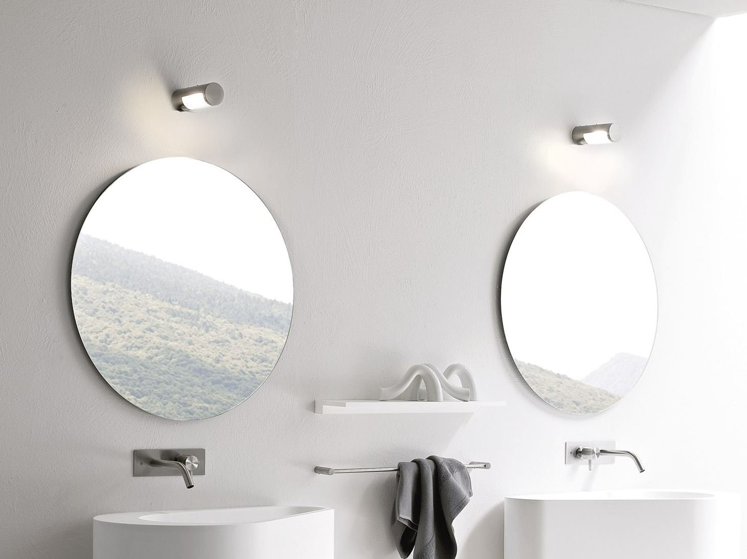 hole miroir pour salle de bain by rexa design design susanna mandelli. Black Bedroom Furniture Sets. Home Design Ideas