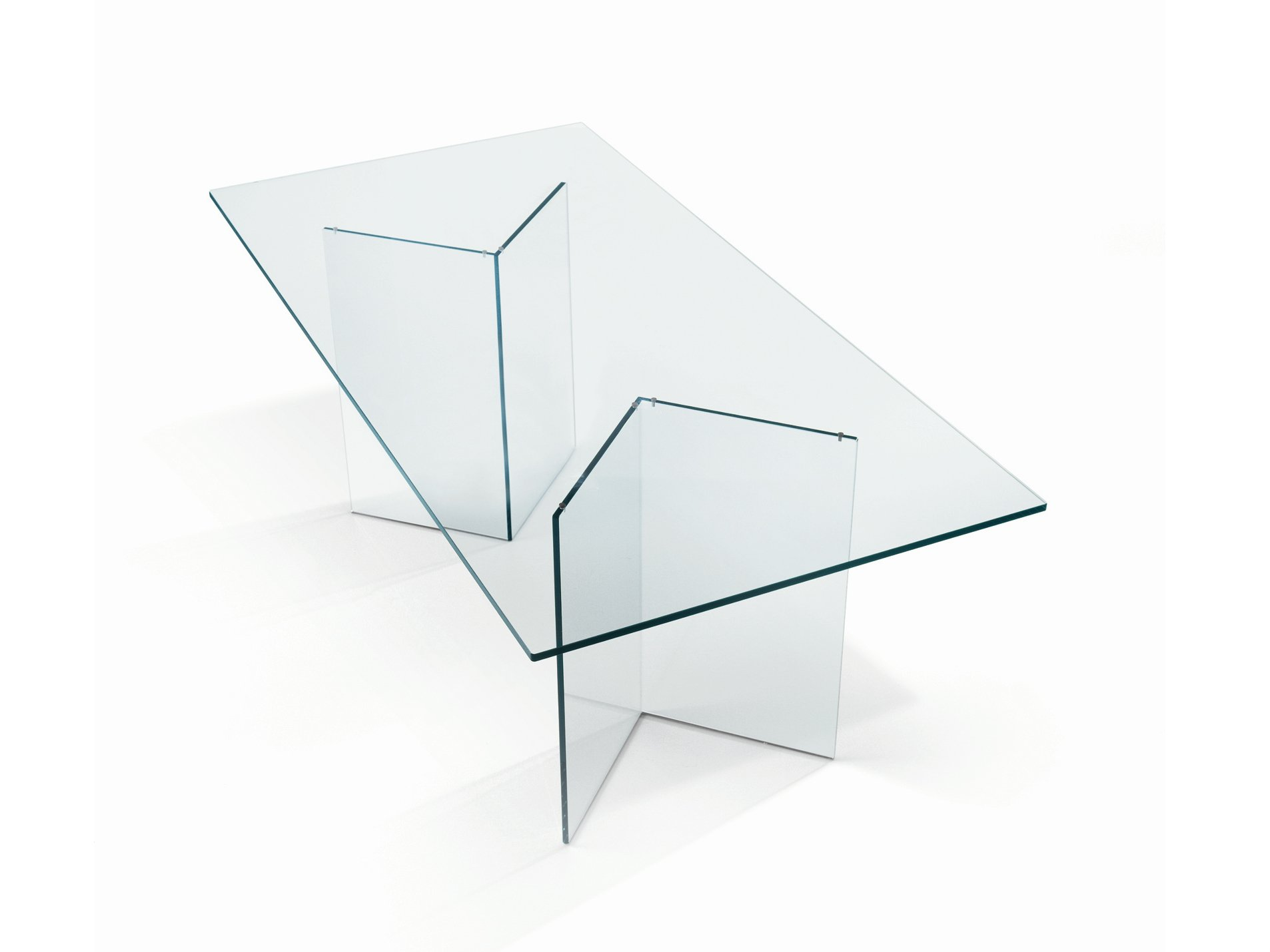 Glass table bacco by t d tonelli design design m u for Table design glass