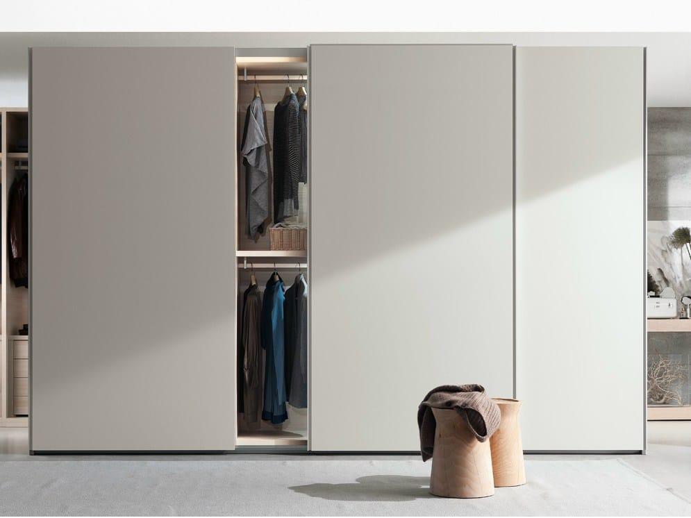 new entry kleiderschrank mit schiebet ren by poliform. Black Bedroom Furniture Sets. Home Design Ideas