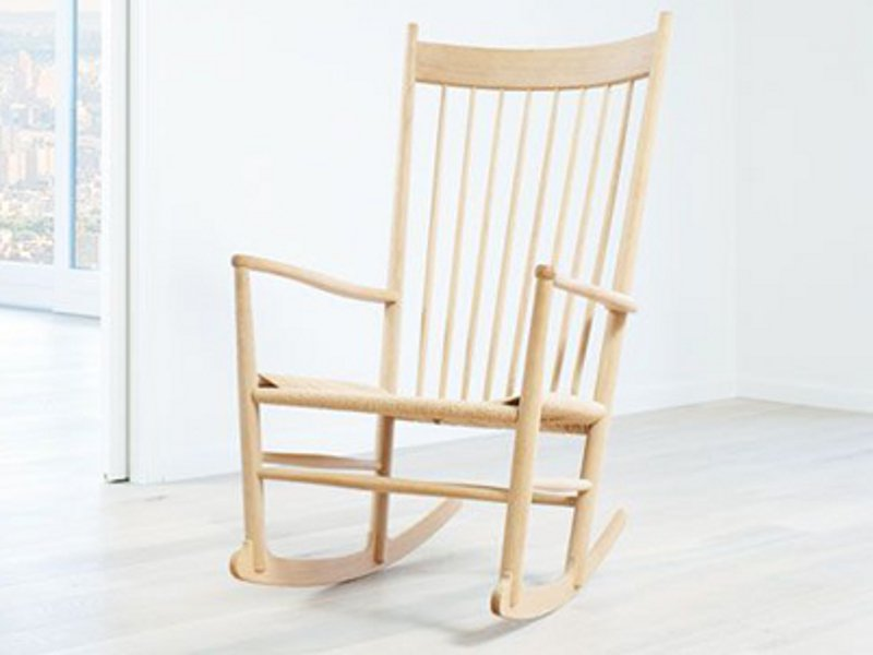 J16 chaise bascule by fredericia furniture design hans j wegner for Chaise a bascule design