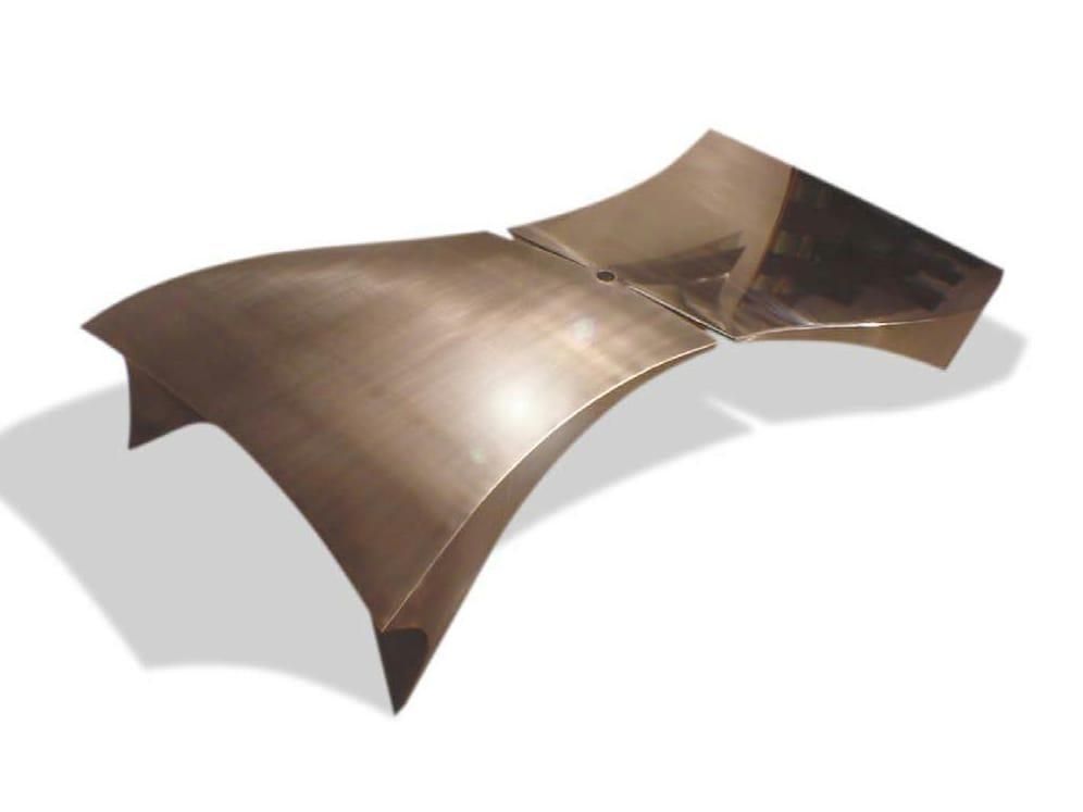 Niedriger couchtisch aus edelstahl im design stil for Designer couchtisch edelstahl