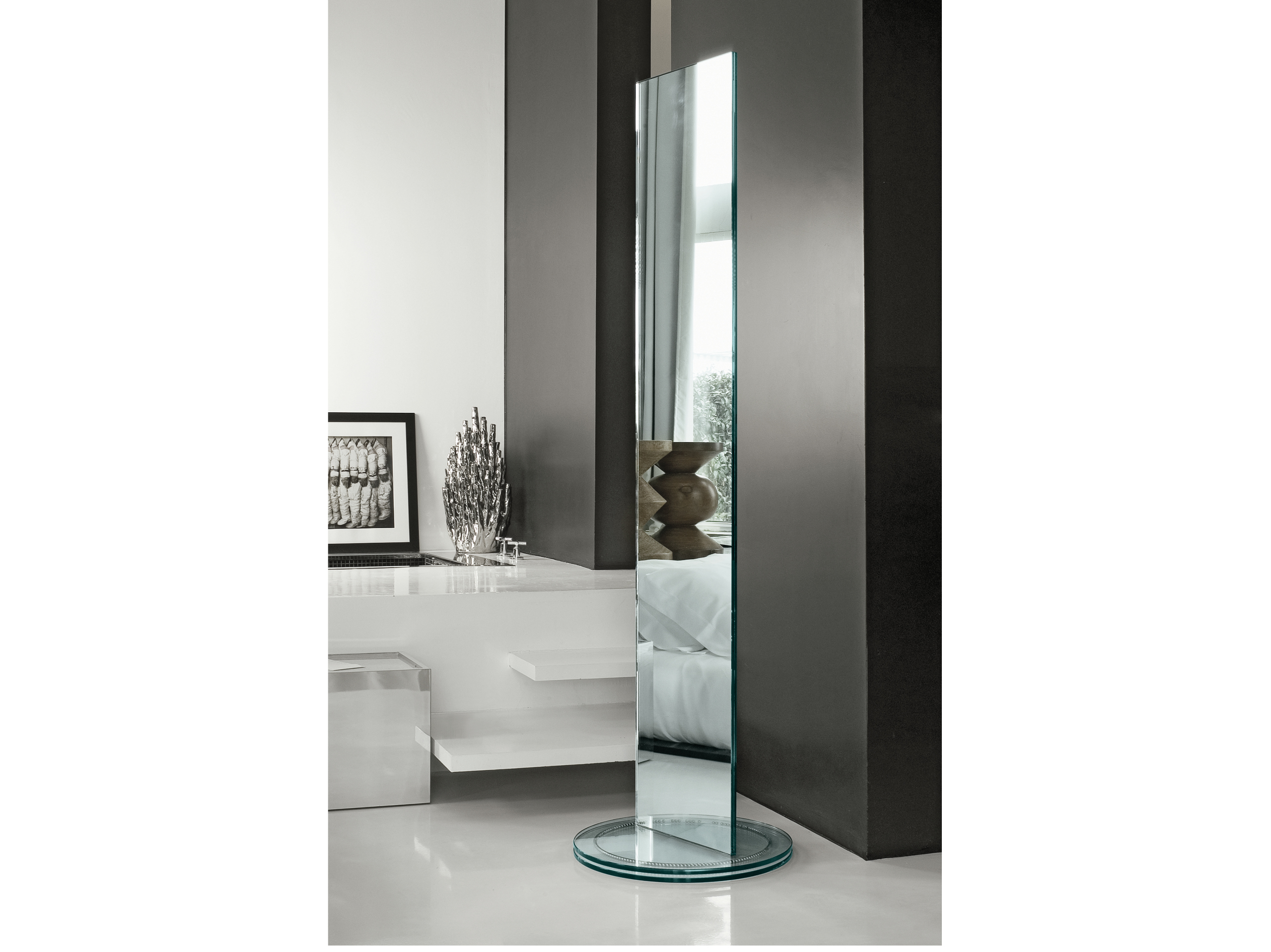 Miroir sur pied rectangulaire soglia by t d tonelli for Miroir rectangulaire design