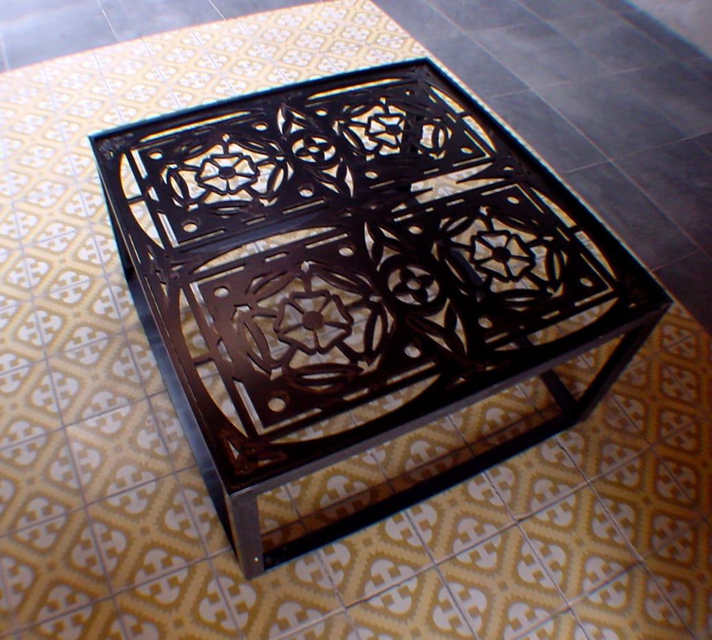 table basse metal decoupe laser. Black Bedroom Furniture Sets. Home Design Ideas