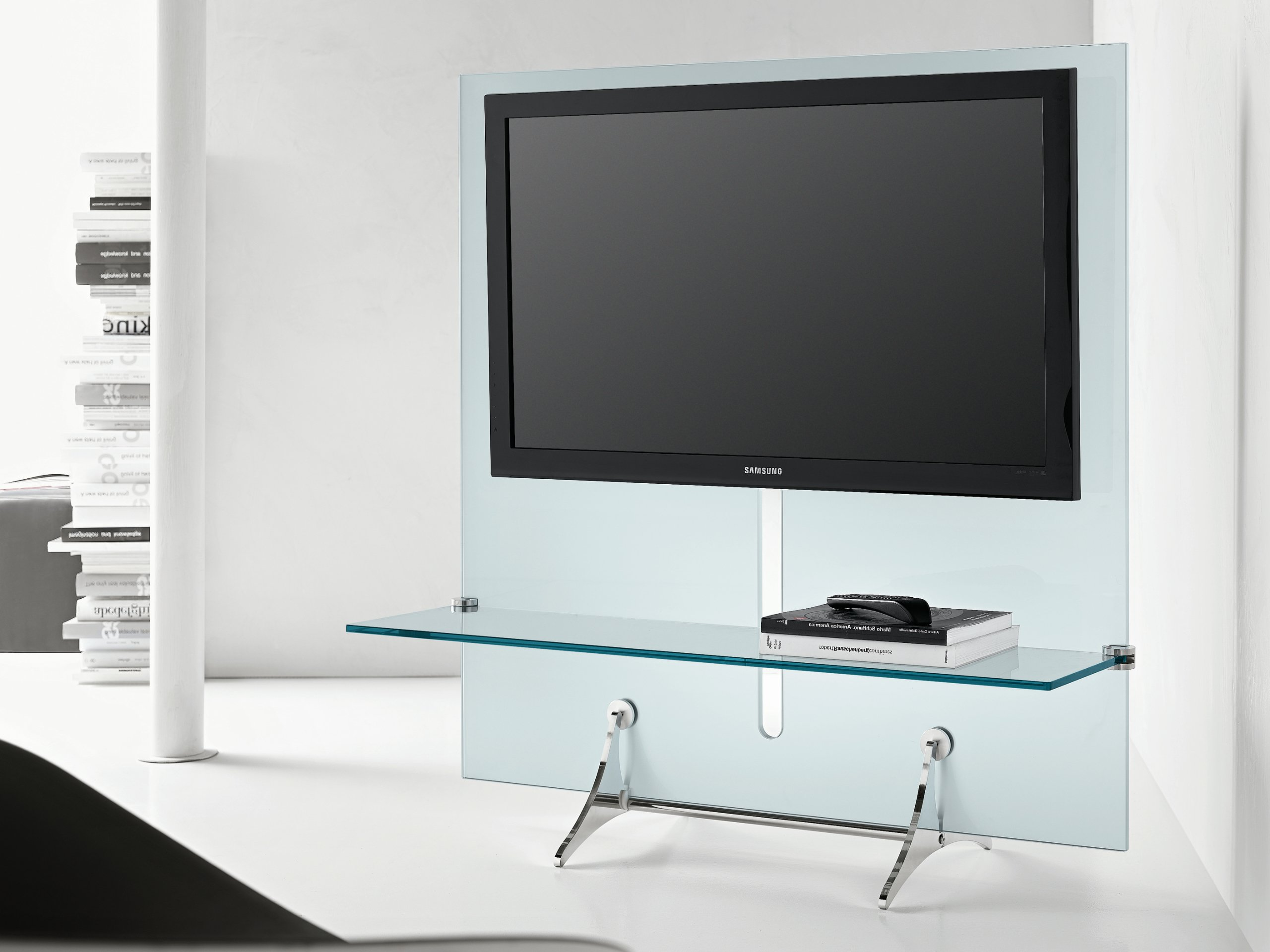 Glass tv cabinet curtain wall tv by t d tonelli design for Tv in kitchen design