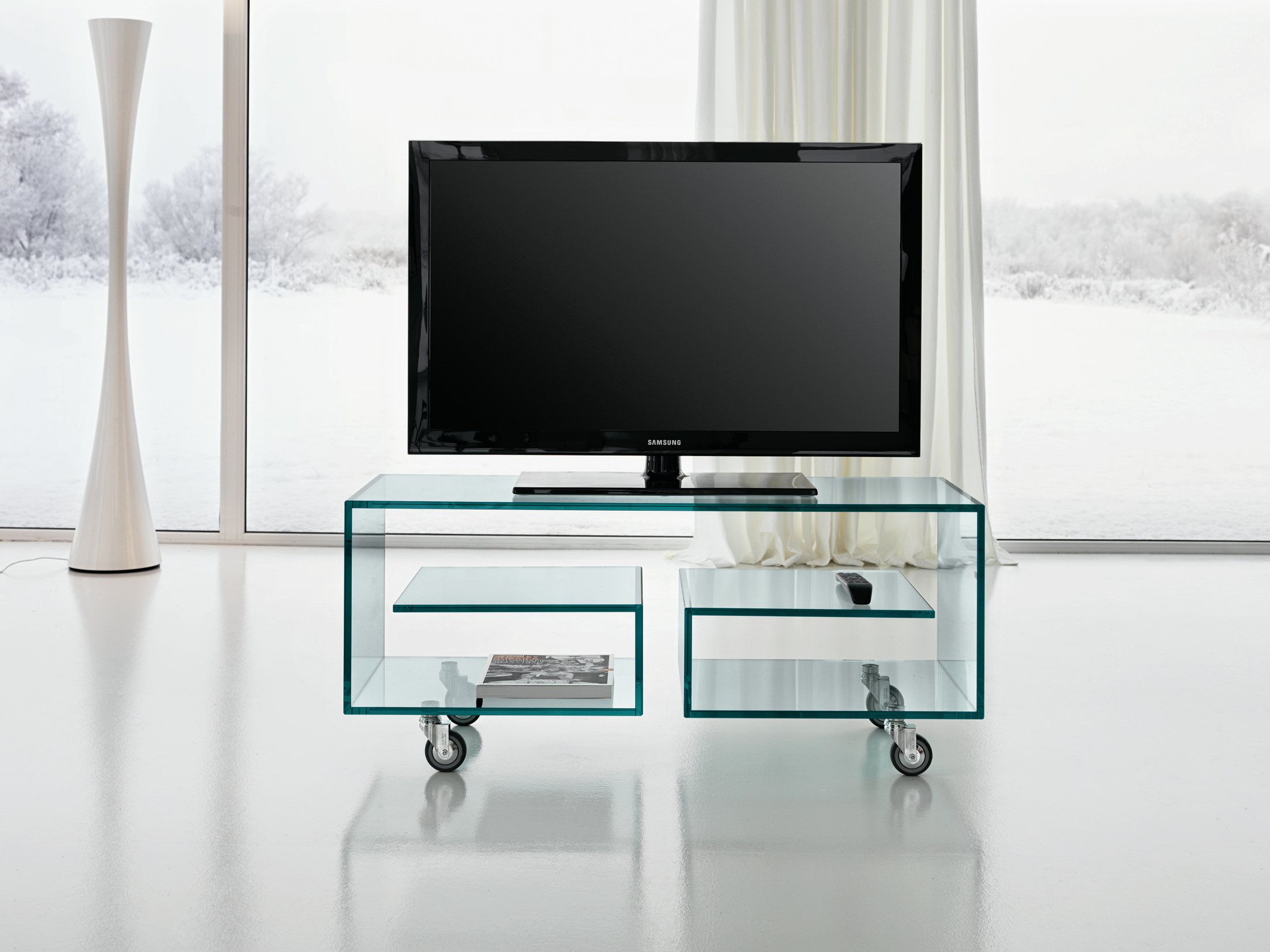 tv m bel aus glas auf rollen fl 1 by t d tonelli design design isao hosoe. Black Bedroom Furniture Sets. Home Design Ideas
