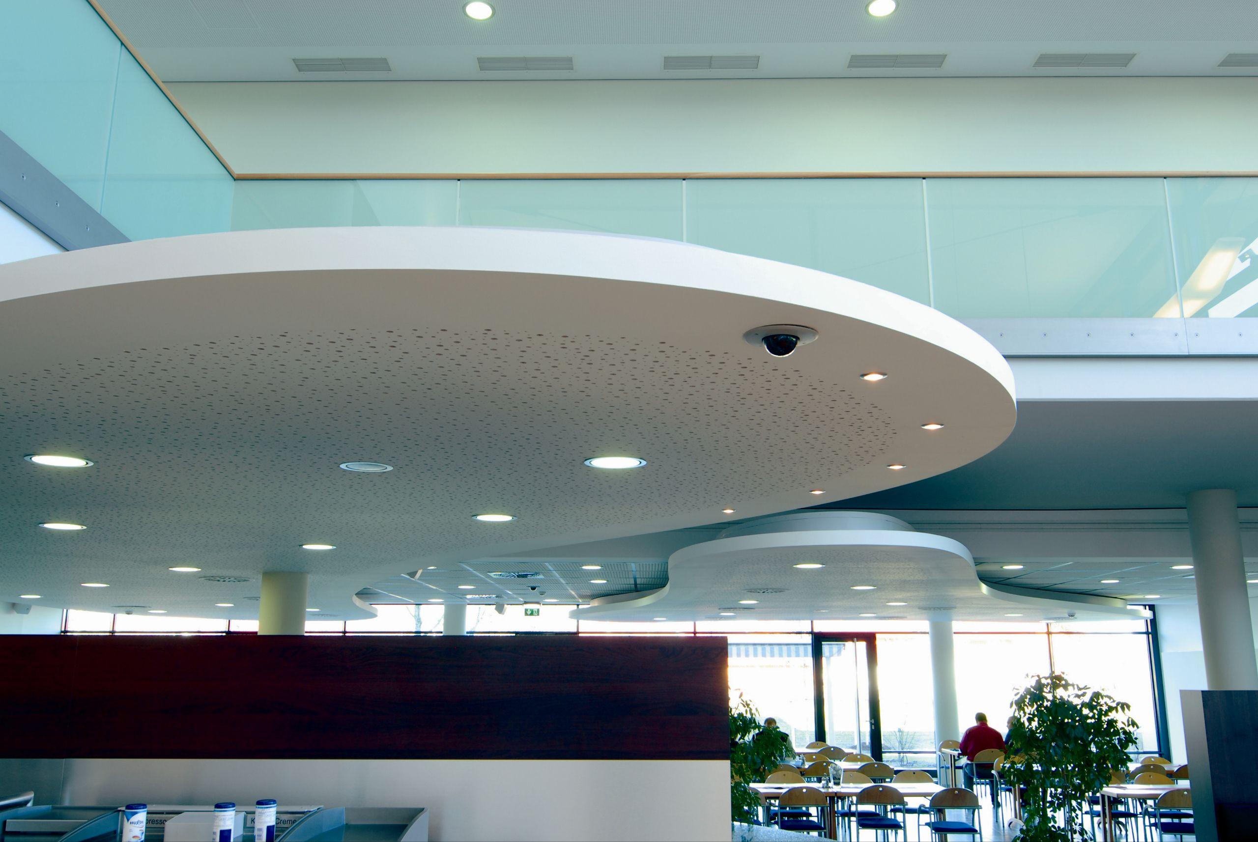 Faux plafond acoustique en placo lastra db 8 16f by fibran for Faux plafond placo decoratif