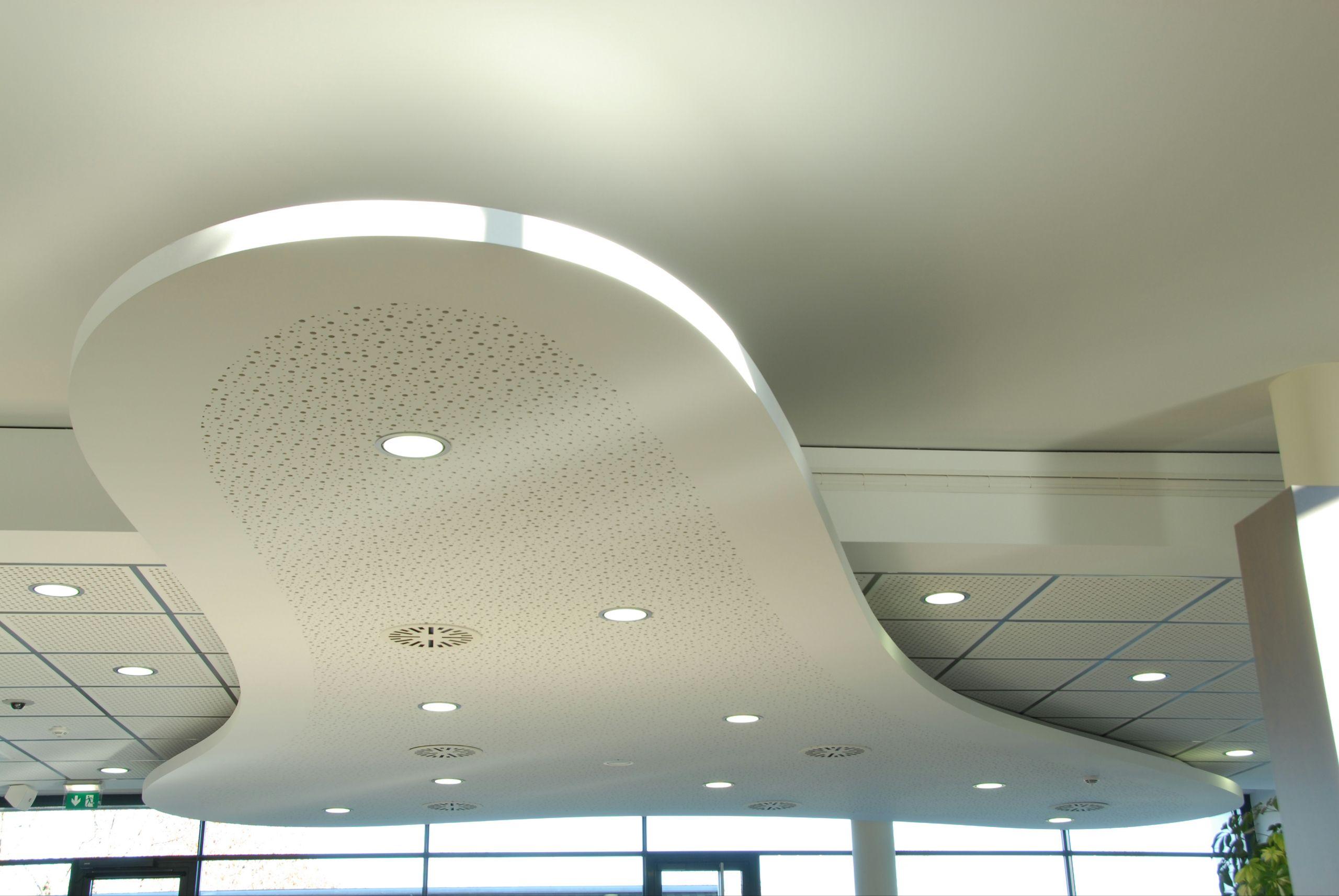 Faux plafond acoustique en placo lastra sf 8 12 50r for Faux plafond placo decoratif