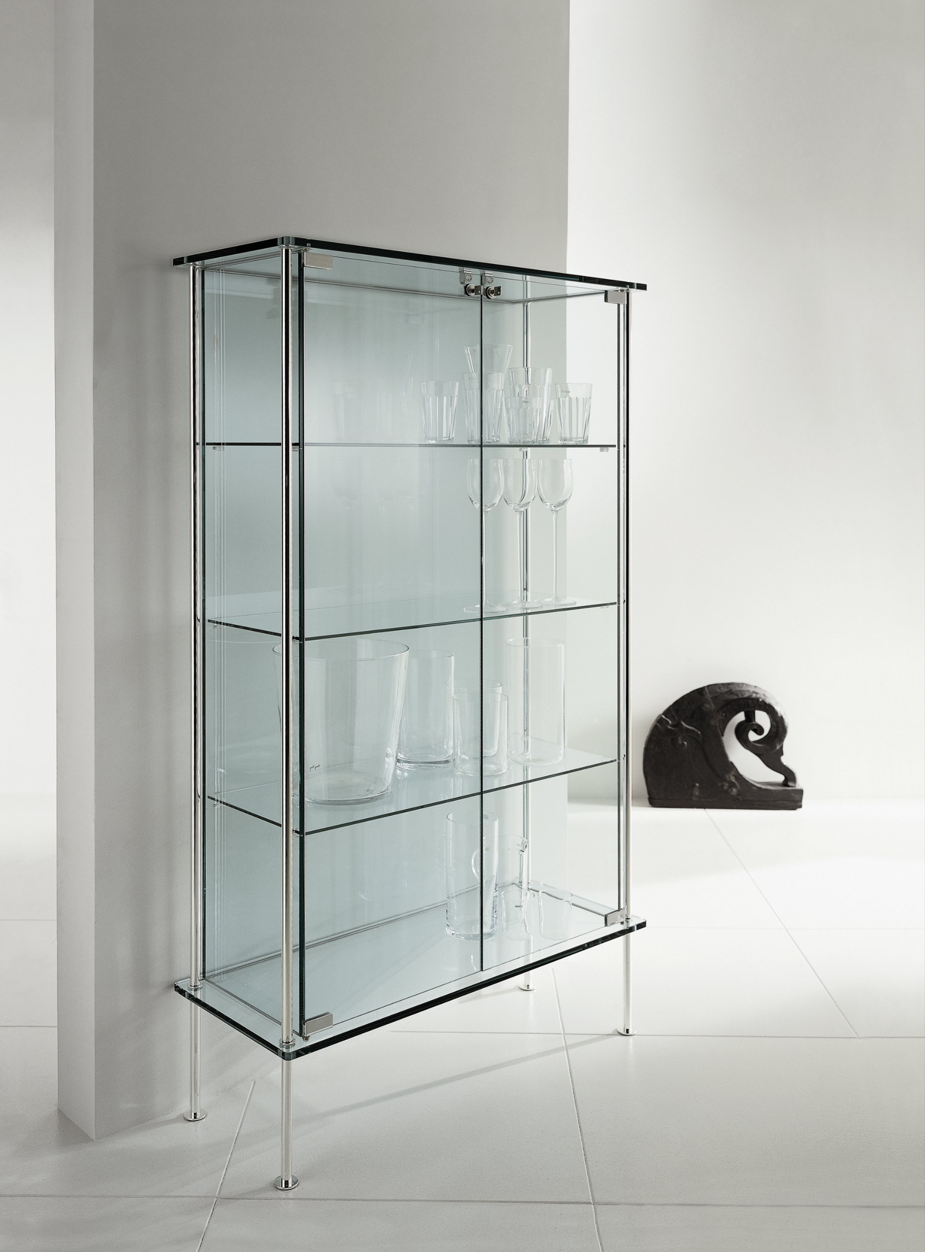 Glass display cabinet shine by t d tonelli design design for Meuble vitrine ikea