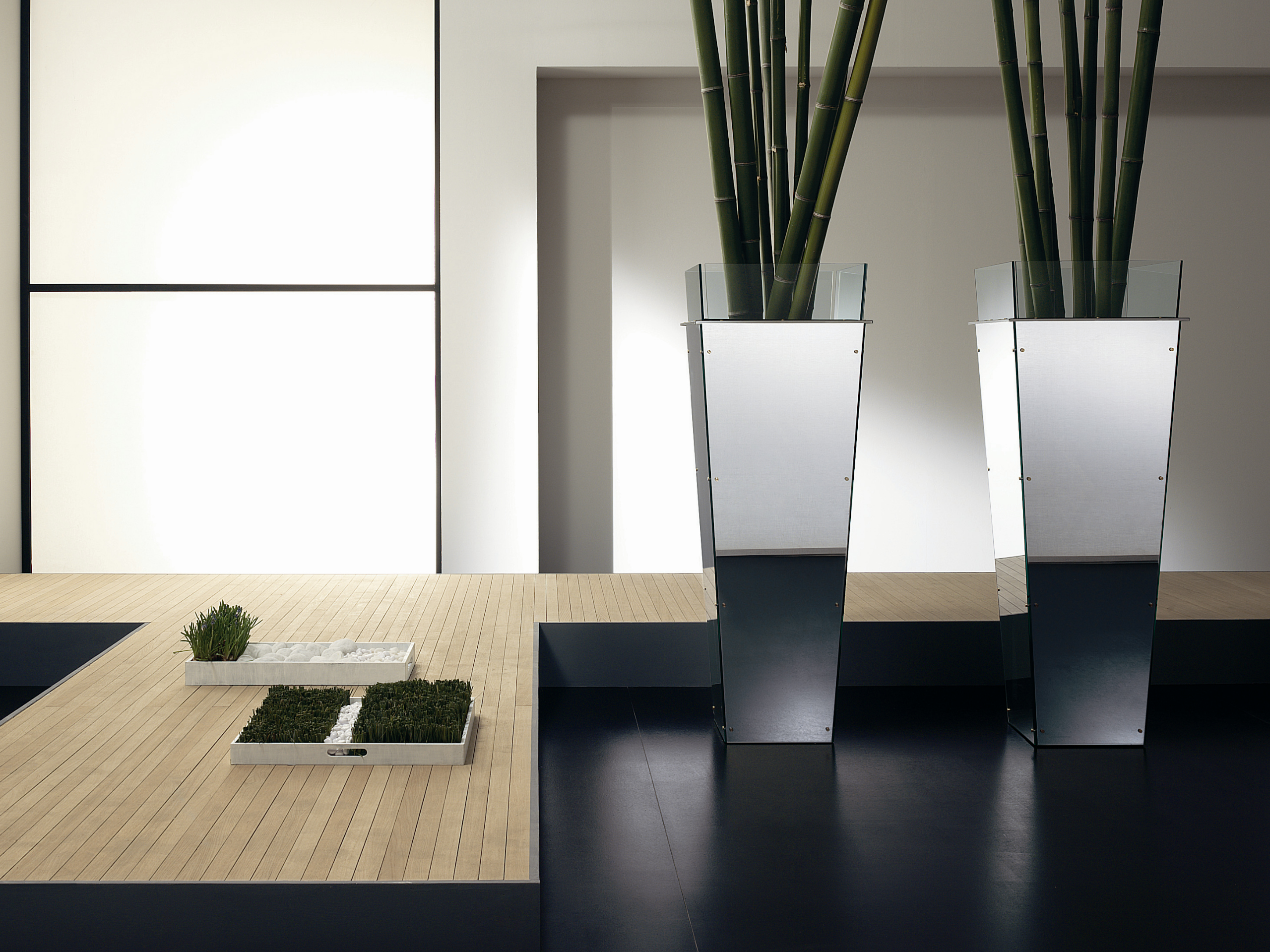 vasen aus glas amon by t d tonelli design design roberto garbugli. Black Bedroom Furniture Sets. Home Design Ideas